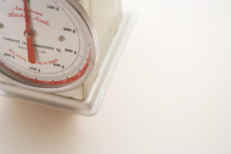 いろんなさつまいも(100g = 140kcal)の重さを写真でご紹介!